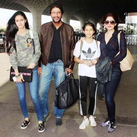 Ananya Pandey with her family