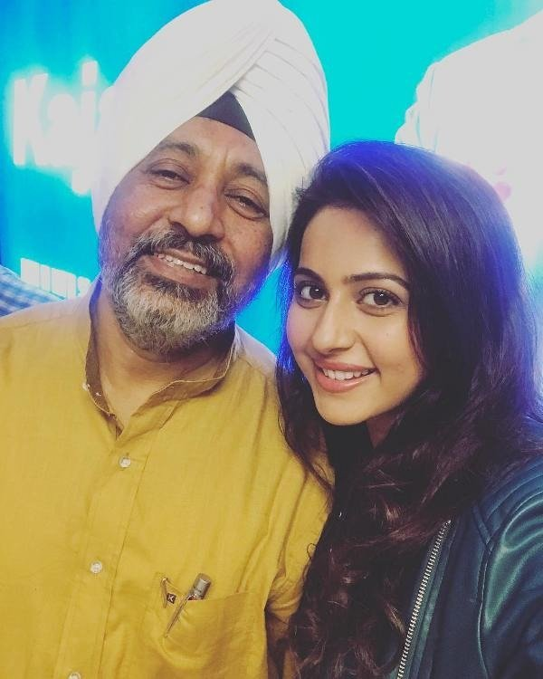 Rakul Preet Singh with her father
