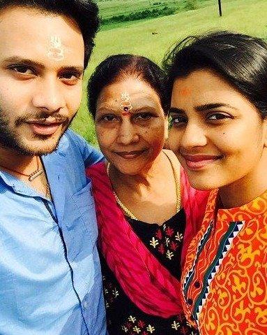 Aishwarya Rajesh family photo