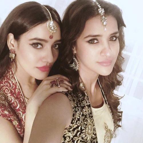 Aisha Sharma with her sister Neha Sharma