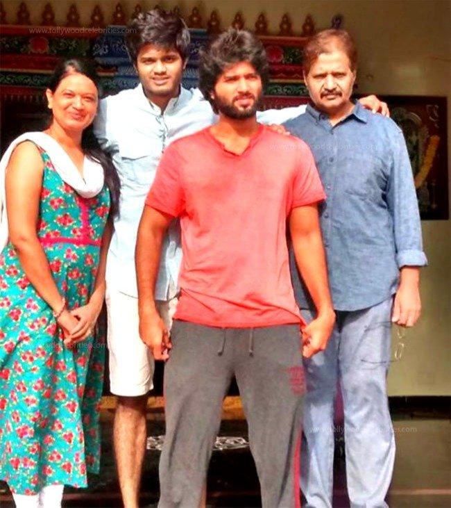 Vijay Devarkonda family photo